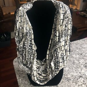 T-shirt infinity scarf necklace